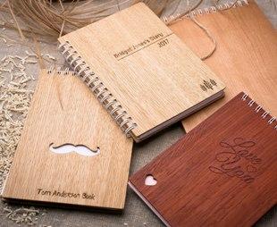 блокнот з дерев'яною обкладинкою