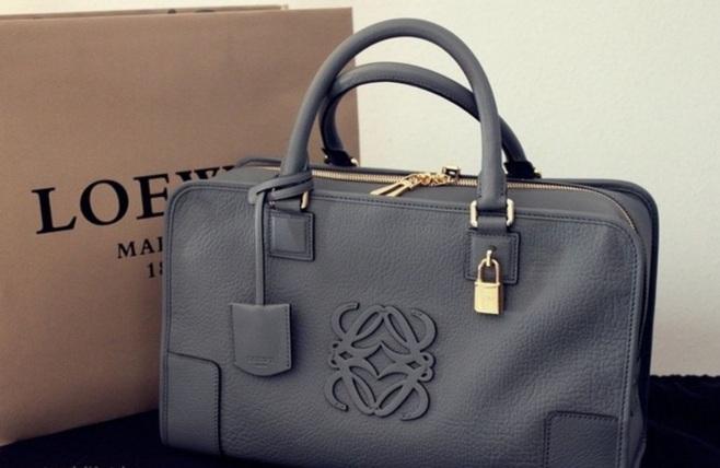Стильні сумки Loewe